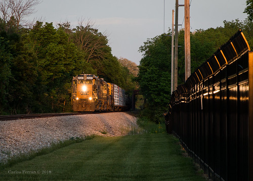 csx csxt prr panhandle line train trains emd gp382 y22020 locomotive railroad rail road rails local sunset evening spring summer caboose trotwood dayton