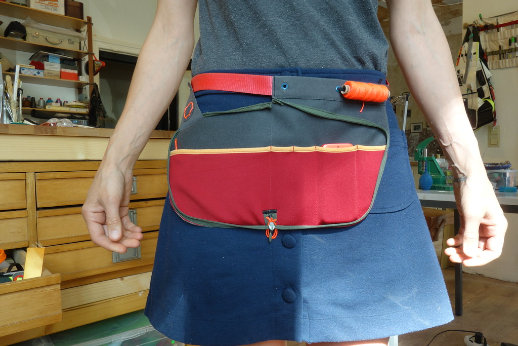 ALWAYS ON: unzip tool apron | Plusea | Flickr