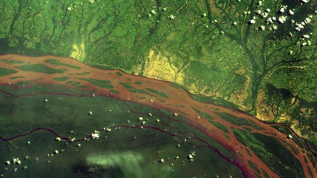 Imagem de satélite CBERS4 MUX do Rio Congo na República Democrática do Congo, África / Congo River CBERS4 MUX satellite image at Democratic Republic of the Congo, Africa.