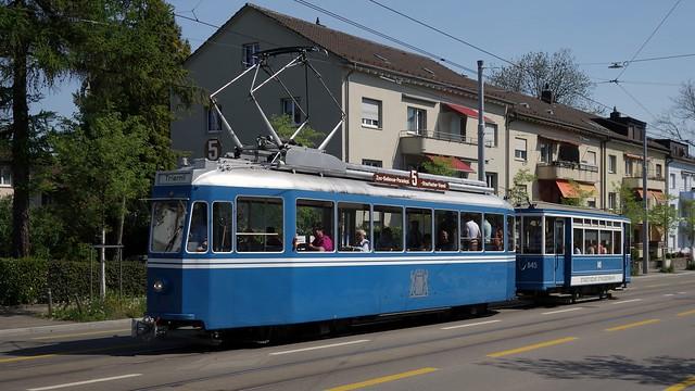 Tram Museum Zürich - Ce 4/4 1392 mit Zweiachsanhänger auf der Birmensdorferstrasse in Zürich.