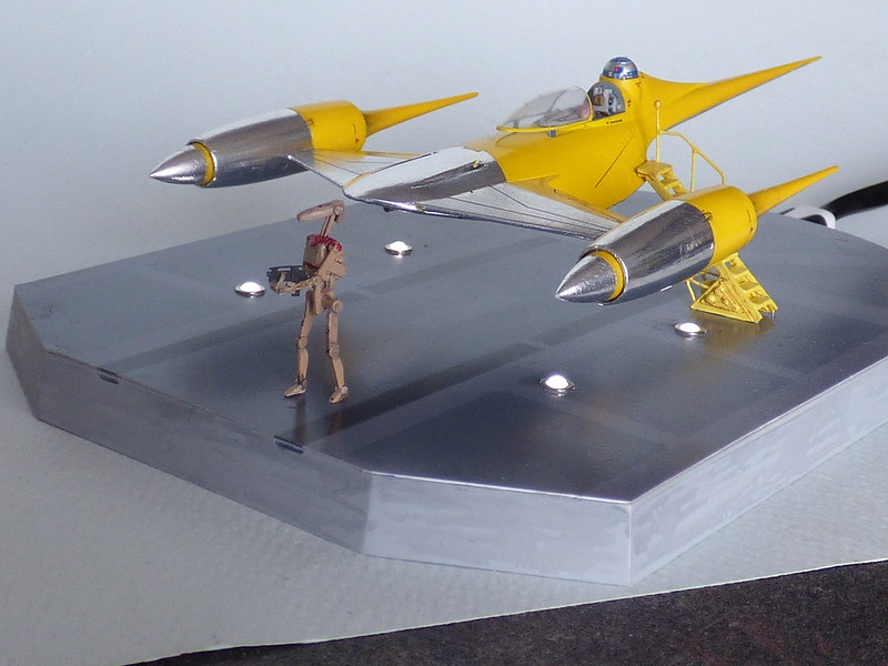 Naboo Fighter de Fine Molds au 1/72e (Star Wars) 28275594198_a807e2d8be_c