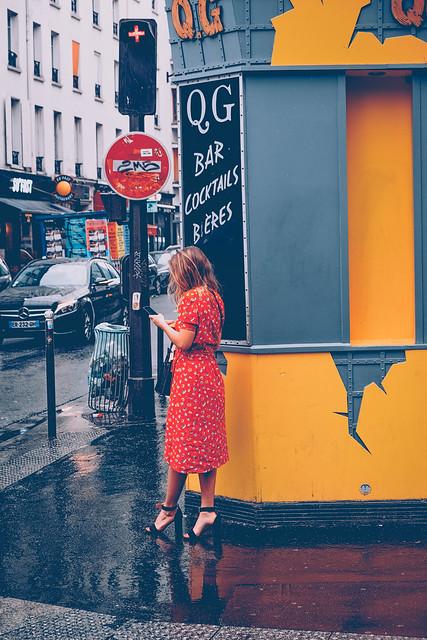 la fille en rouge