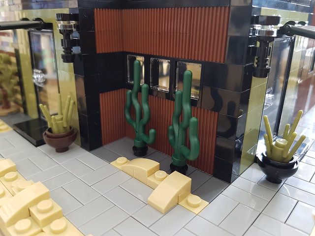 Olive Sand House MOC main and kitchen entrance