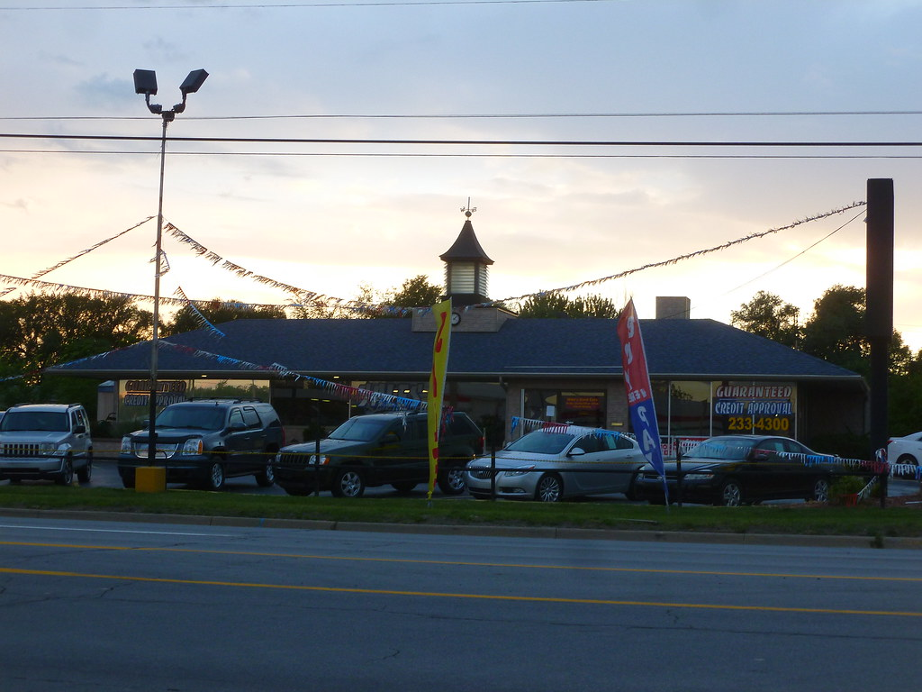 Mikes Used Cars >> Mike S Used Cars Former Howard Johnson S Dort Hwy Flint