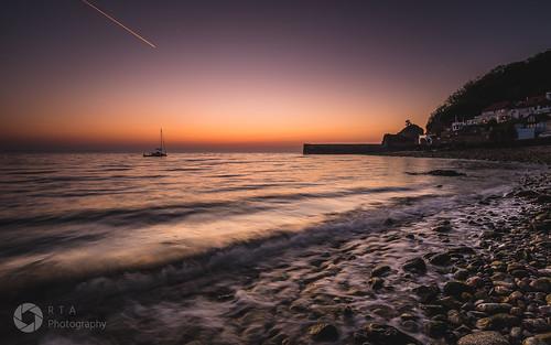 babbacombebeach torquay sunrise morningglow sky beach rocks glow light rtaphotography nature seascape morning nikon d750 nikkor 1835 devon southdevon