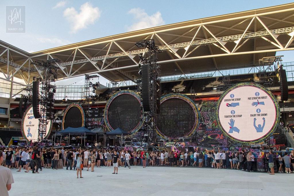 Pre-show inside Suncorp Stadium