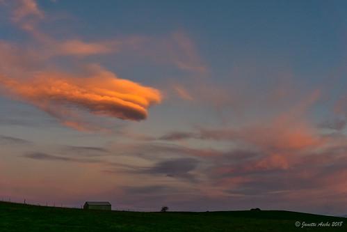 australia sheffield tasmania tassie barn clouds landscape sky sunset shed lenticularclouds