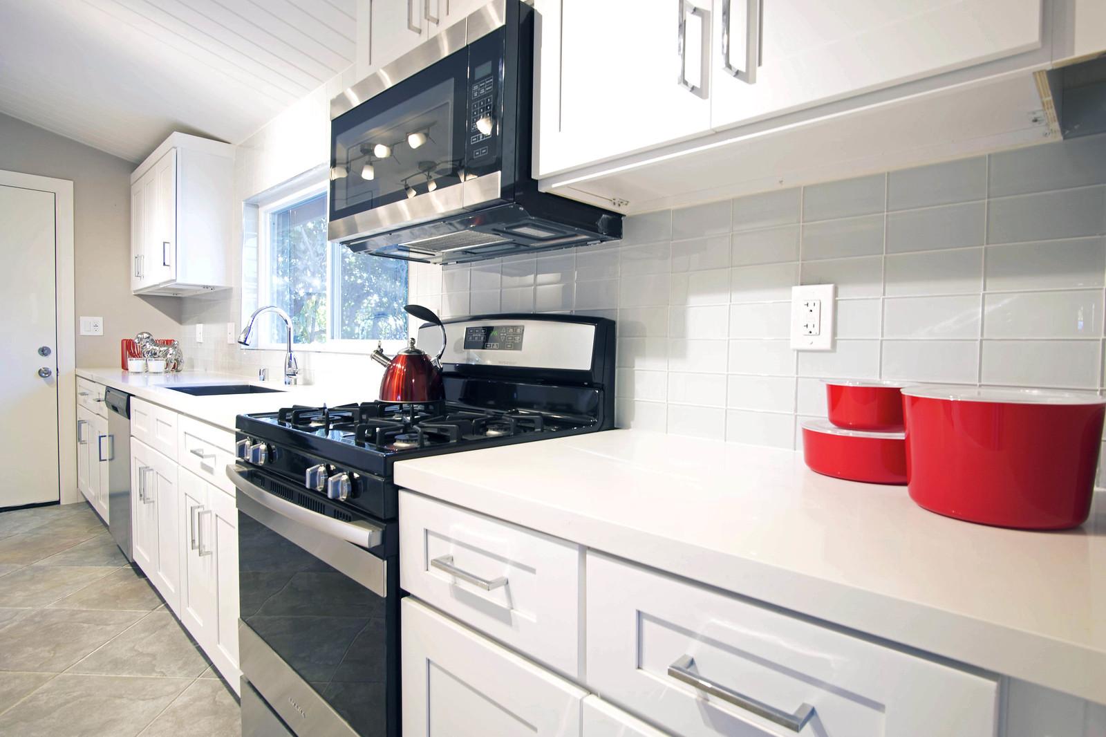 13912 Mansa Dr - Kitchen 3