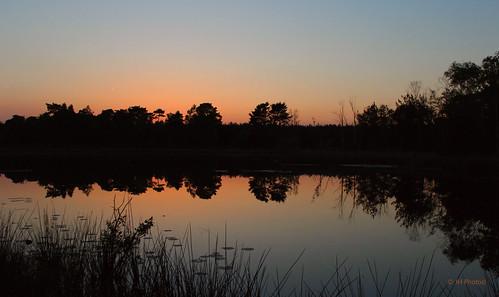 jhphotos canon canon600d netherlands niederlande nederland paysbas sunset zonsondergang reflection reflectie lake meer orange oranje contrast evening panorama limburg beegderheide bluehour