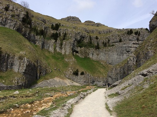 Heading into Goredale Scar | by malky_c
