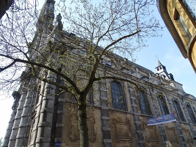 exterior Iglesia de Saint Loup Namur Belgica 03