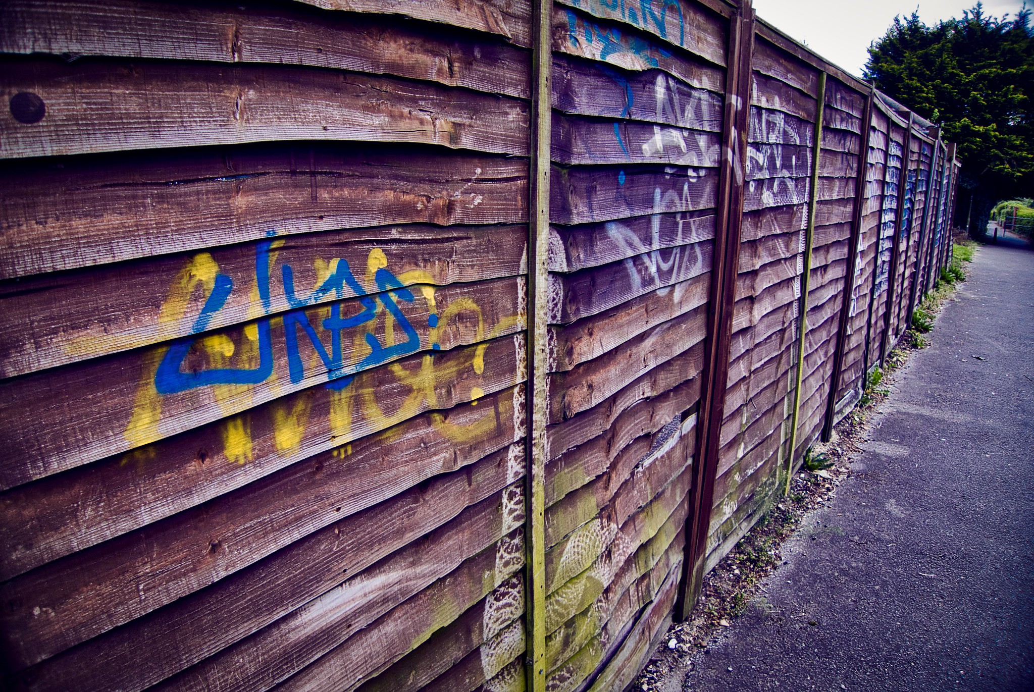 Urban Decay - Graffiti Tagging
