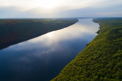 skaneateleslake skaneateles lake flx fingerlakes cny upstatenewyork life nature hiking adventure peace peaceful quiet calm calming mirror spring springtime summer forest protected beautiful flickr awesome amazing glenhaven 2018 drone drones dji djiphantom4 phantom4pro canon