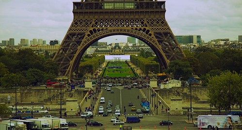 Busy Paris | by dariuszka