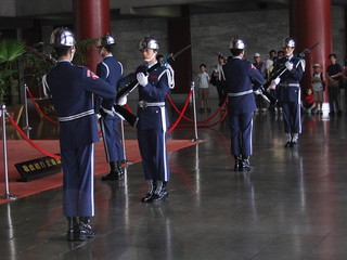 change of guard at Sun Yat Sen Memorial hall | by JustChay
