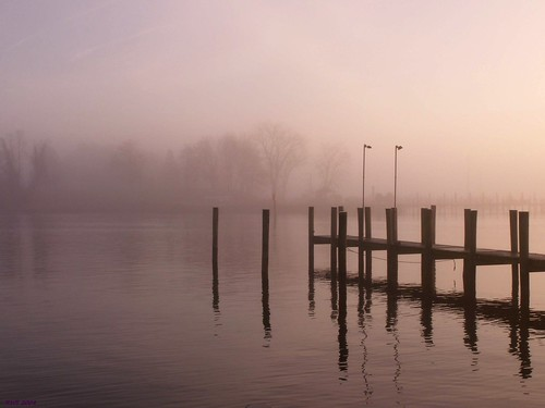 film water fog zeiss creek 35mm landscape day kodak availablelight navy jena contax 400uc ultracolor navalbase solomonsmaryland contaxiii f155cmsonnarlens