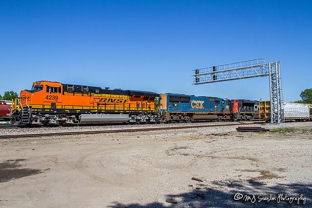 BNSF 4239 | GE ES44C4 | BNSF Thayer South Subdivision