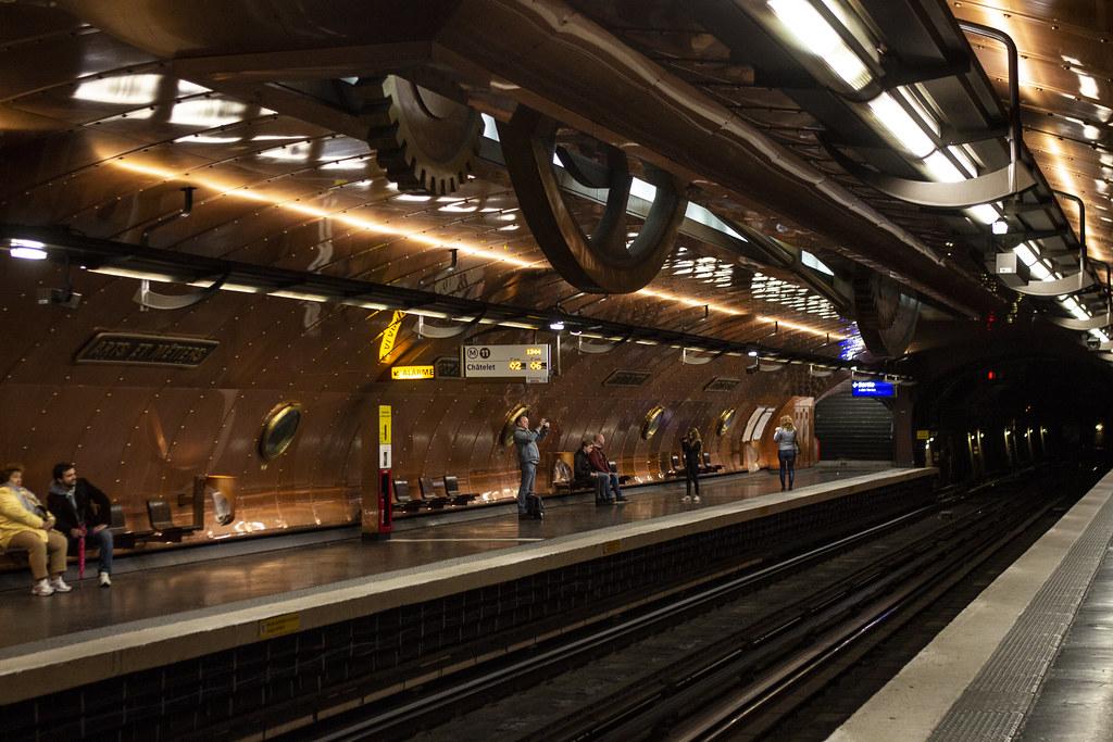 Arts et Métiers Métro Station, Paris | Iain McLauchlan | Flickr