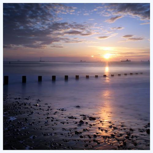 aberdeen aberdeenbeach sunrise sunset longexposure landscape water sea ocean sky cloud sun canon canon6d leefilter littlestopper ndgrad