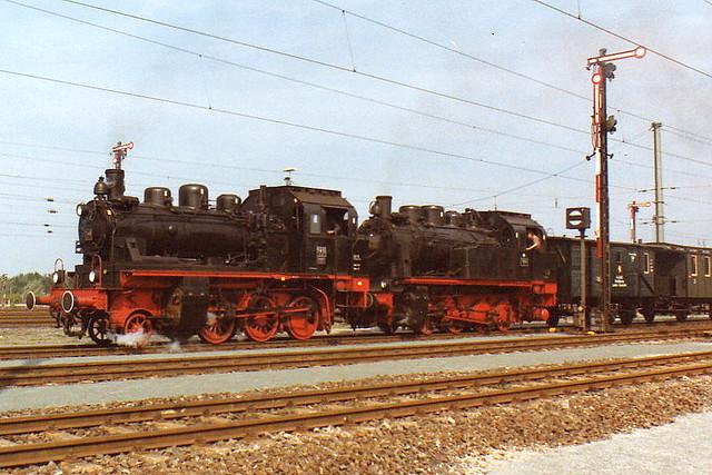 ELNA-Dampfloks DGEG ex BLE 146 und DME ex DEG 184 bei der Fahrzeugparade Nürnberg 1985