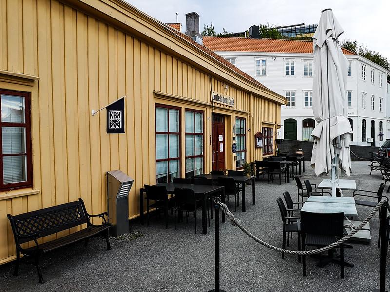 45-Dødeladen Cafe