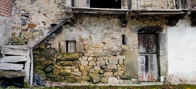casa antigua / old house, Villamayor.