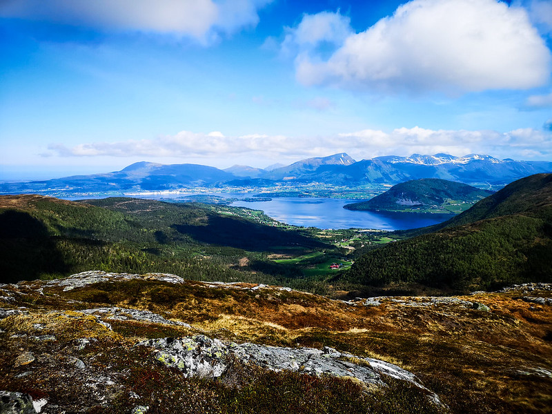 13-Frænfjorden og Elnesvågen sett fra Frænavarden
