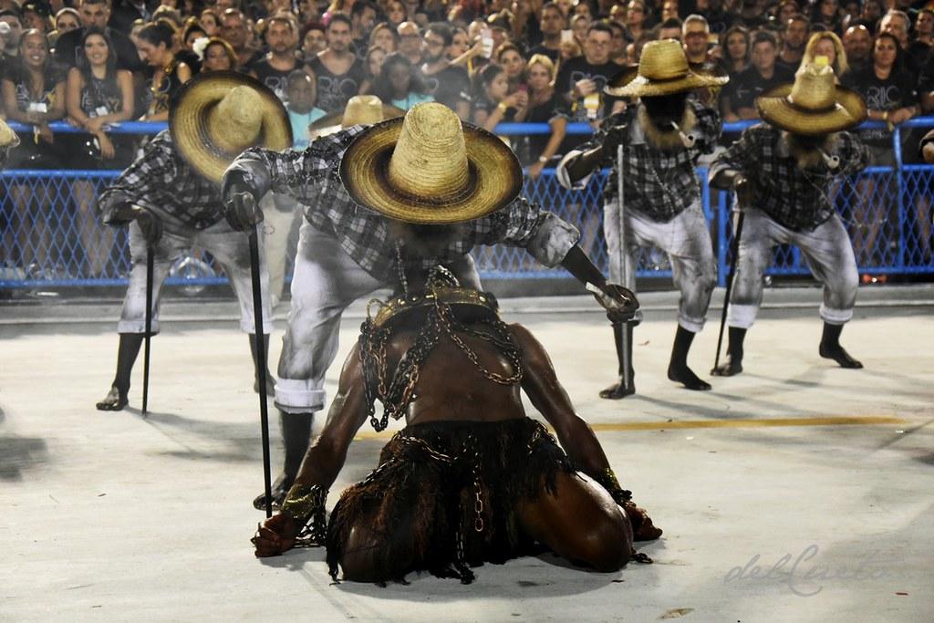 Tuiuti 180217 037 CF escravo chapéus preto velho fumaça