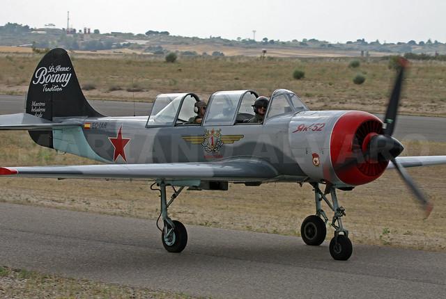 Yak52