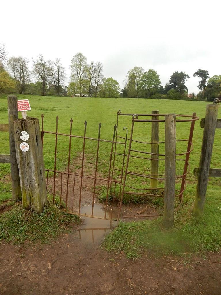 Rusty old gate Manningtree Circular