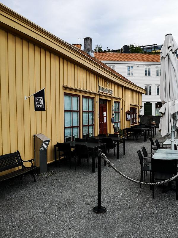 44-Dødeladen Cafe