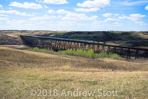 emd trestle fabyan 6420 viarail bridge alberta via 6439 locomotive train electromotivedivision f40ph2 canada wainwright ca
