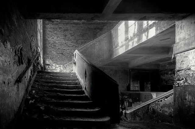 Inglorious Stairway