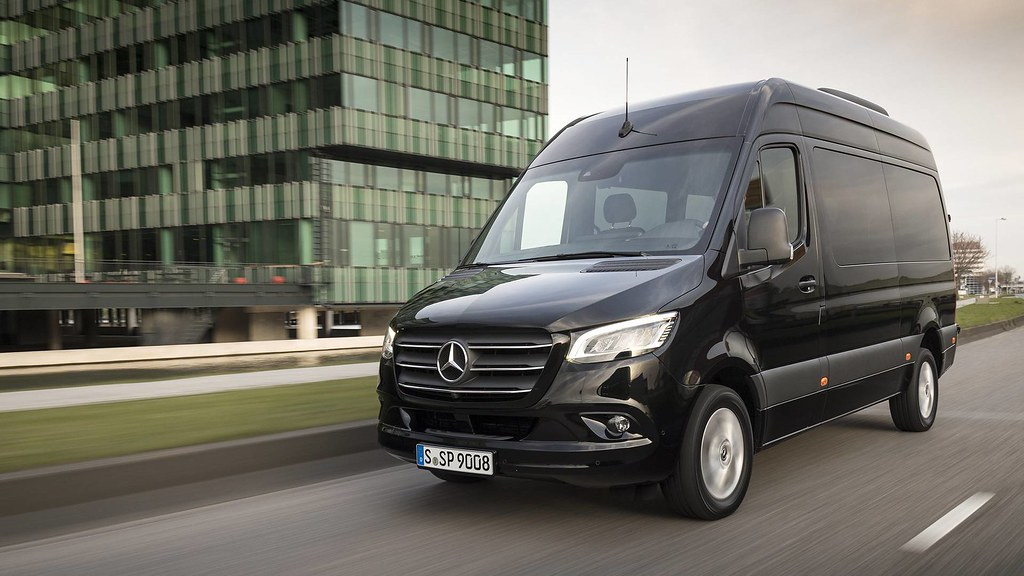 68d1a950be ... Aussiefordadverts 2019 Mercedes Benz Sprinter Van Press Photo - Germany