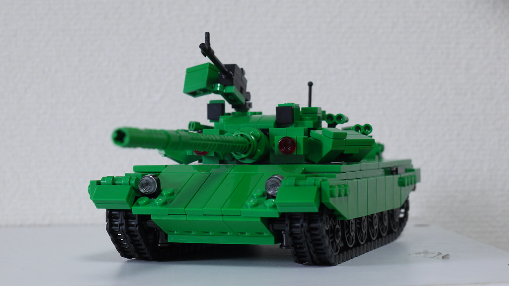 LEGO T-90 MBT