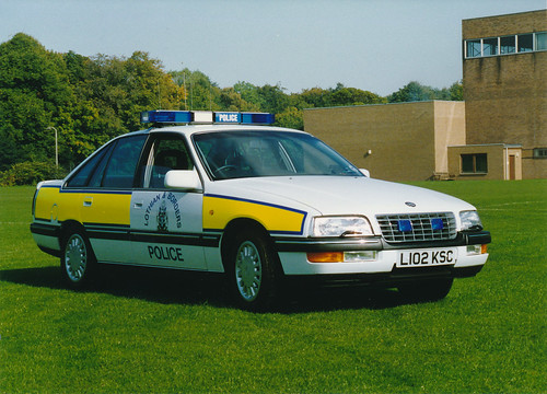 Vauxhall Senator 3ltr 24v L102 KSC 'ZH ST02',L&B Traffic HQ.Fettes 1995   by landshark2084