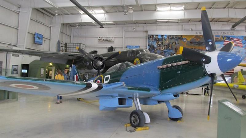 Spitfire MK XIV koos Grifoon mootor 1