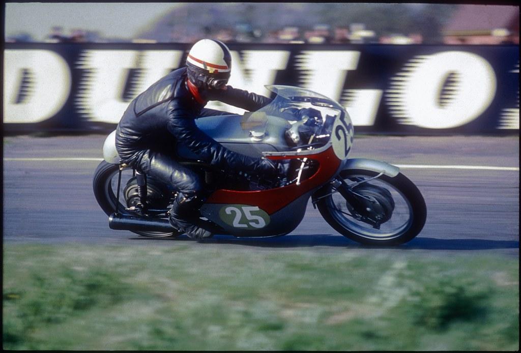 Dave Simmonds On His 250 Honda At Snetterton Non Kodachrom Flickr