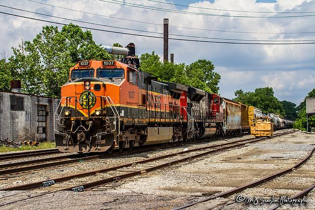 BNSF 1037   GE C44-9W   CN Memphis Subdivision