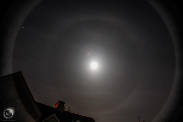 22 Degree Lunar Halo 22:36 BST 26/04/18