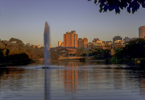 fountain reflections river rivertorrens riverbank goldenhour adelaide southaustralia cityview chriskirbycapturephotography