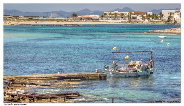Esperando salir de pesca. Es Pujols. Formentera / Waiting to go fishing. Es Pujols. Formentera