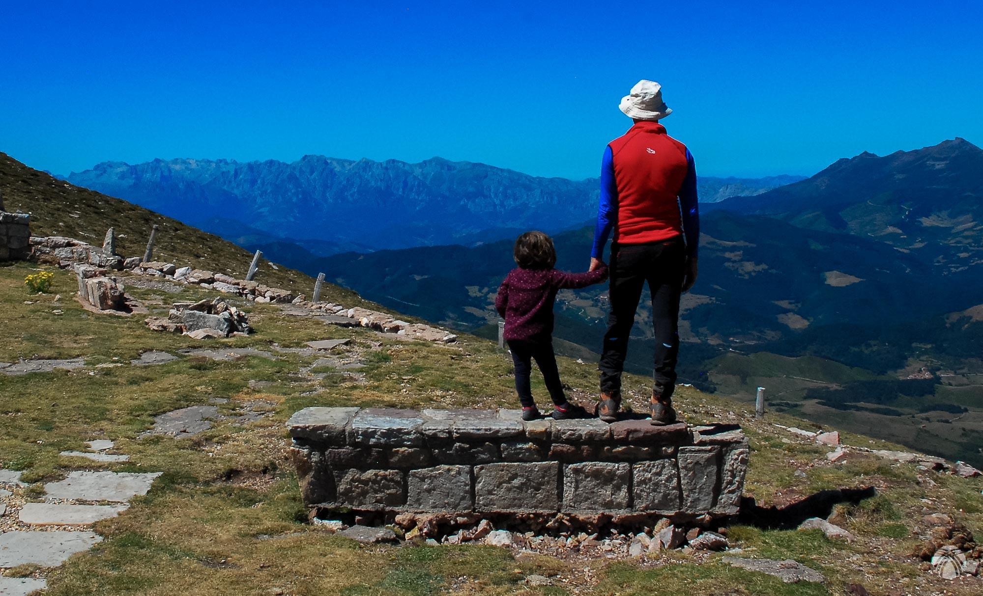 Mirando hacia los Picos de Europa