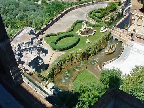 italy tivoli gardens stevelamb 2003