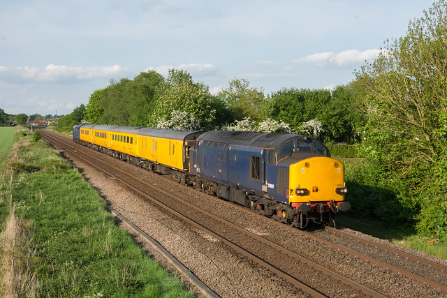 37607 Attleborough 13/05/18 - 1Q14 1432 Norwich to Derby R.T.C.(Network Rail)