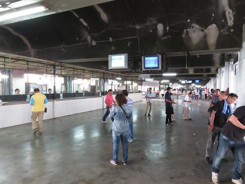 ロイヤルターフクラブ競馬場の5階の穴場とモニター