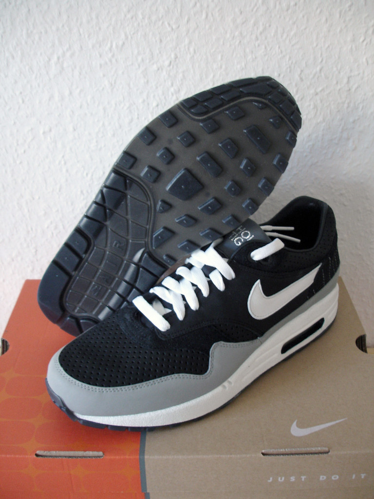 Nike Air Max 1 Hold Tight Air U Breathe Ben Drury | Flickr