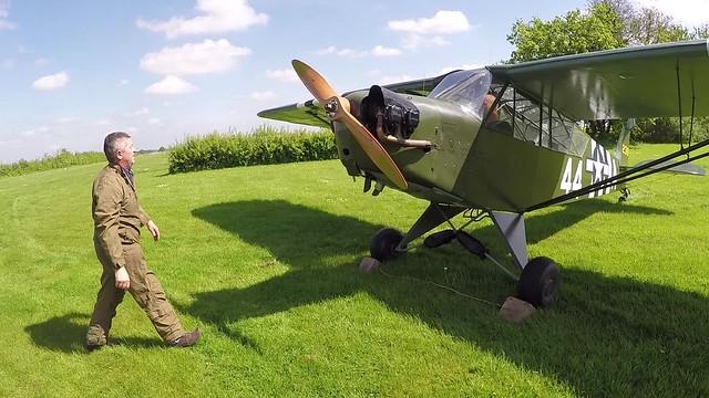Flight in a Piper Cub J-3 / L-4 (Grasshopper) that saw service in Italy in WW2