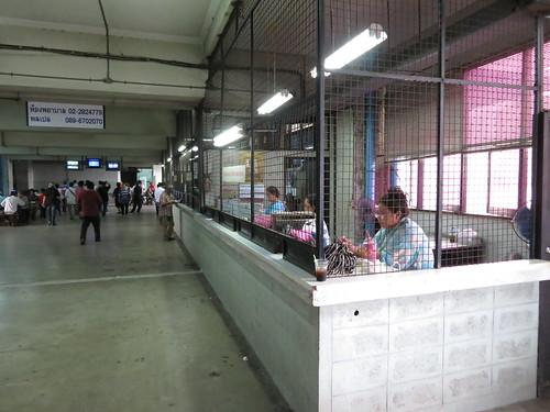 ロイヤルターフクラブ競馬場の2階の馬券売場