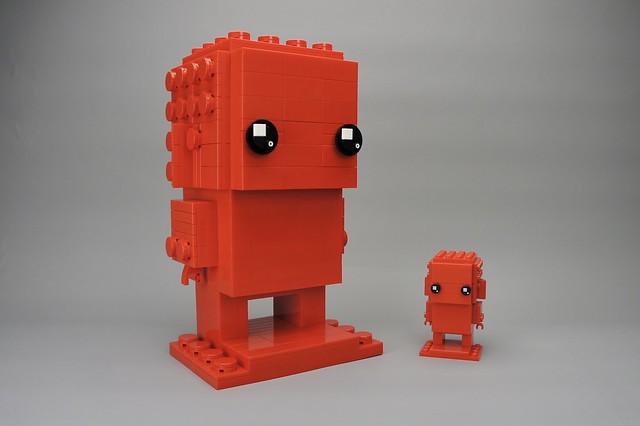 LEGO Monochrome Big BrickHeadz in Red
